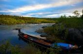 Fossen i Karasjohka. Båten som er på oversiden. DSC03075