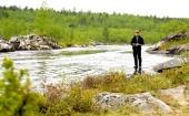 Helmer prøver fiskelykken i Karasjohka DSC02887