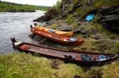 Parkerering av båtene på ned siden av fossen i